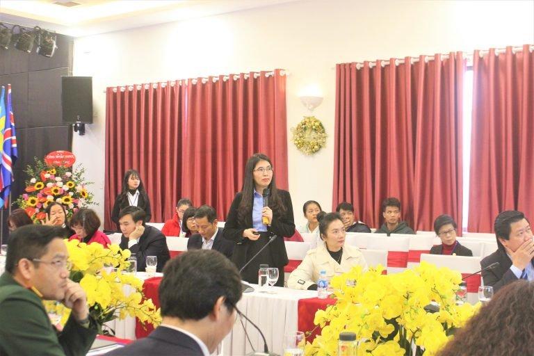 """TS. Dương Thị Thu thuyết trình tại hội thảo Quốc gia """"Quản trị thông minh trong môi trường phức hợp toàn cầu: Lý luận và thực tiễn"""""""