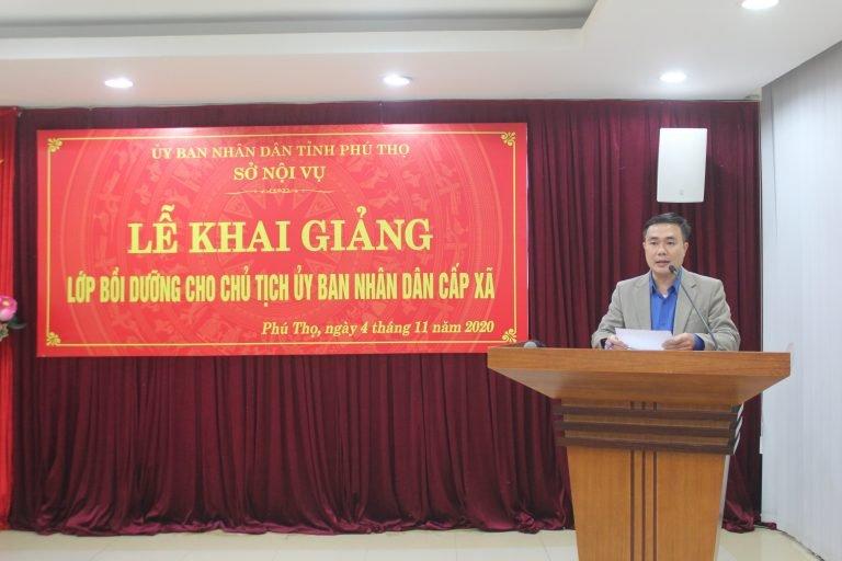 Ông Đinh Thế Anh, Chủ tịch UBND thị trấn Yên Lập, tỉnh Phú Thọ đại diện các học viên tham gia khoá đào tạo phát biểu