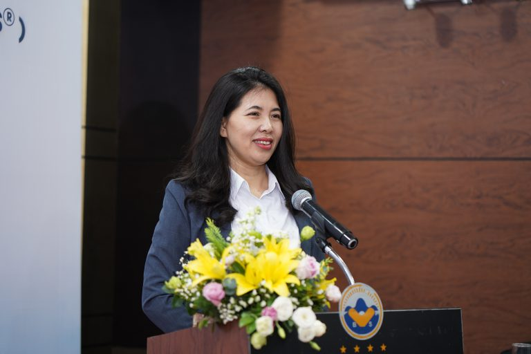 TS. Dương Thị Thu, Viện trưởng Viện Nghiên cứu Phát triển Lãnh đạo Chiến lược phát biểu khai mạc khóa học