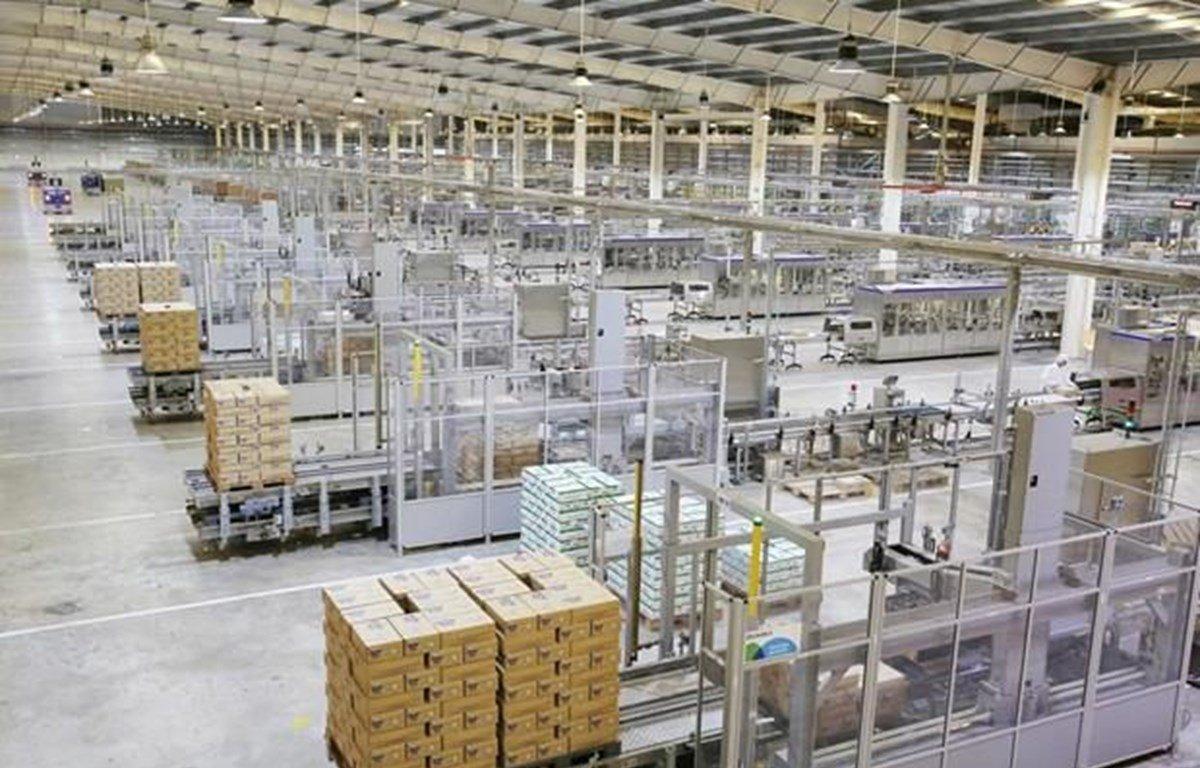 Sau cổ phần hóa, Công ty cổ phần sữa Việt Nam – Vinamilk tiếp tục phát triển mạnh và được Forbes Việt Nam đánh giá là Công ty niêm yết tốt nhất Việt Nam năm thứ 7 liên tiếp. (Ảnh: VNM/Vietnam+)