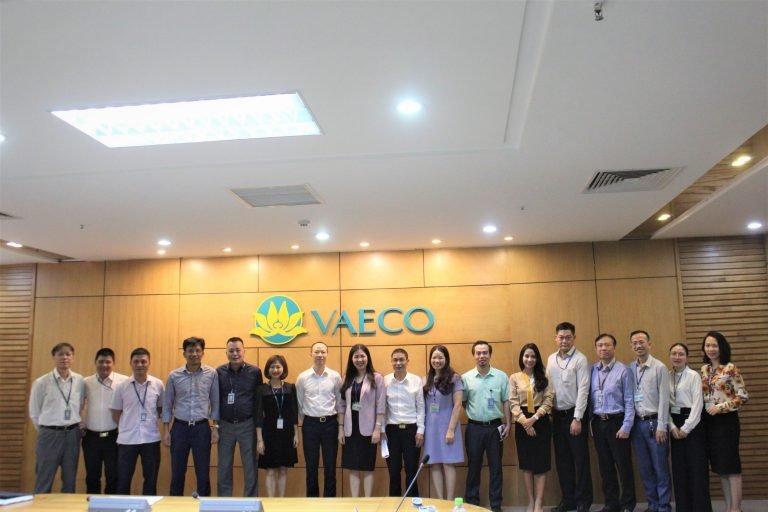 Các chuyên gia của Sleader cùng Ban lãnh đạo VAECO tham gia buổi lễ khởi động dự án